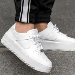 ✔️New✔️ NIKE Air Force 1 Sage Low 'Triple White'